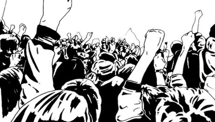 পরীক্ষায় কড়া গার্ড, টিচার্স রুমে চকলেট বোমা ছুড়ল পরীক্ষার্থীরা