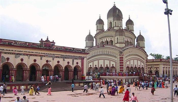 নববর্ষ মানেই বাঙালির দুই সেরা ডেস্টিনেশন কালীঘাট ও দক্ষিণেশ্বর