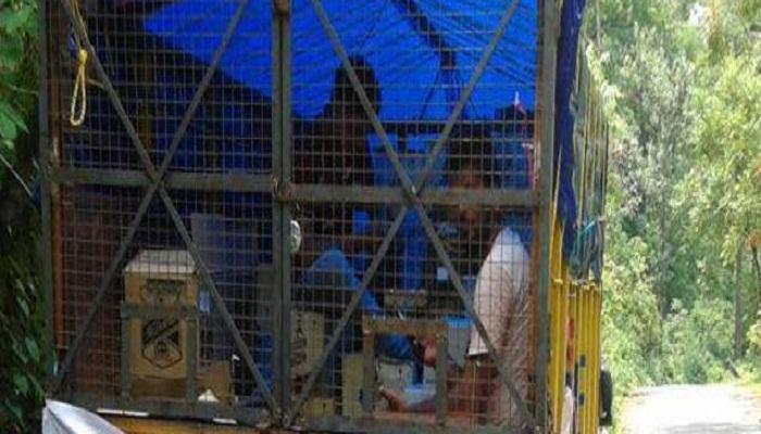 গাড়িতে 'চলমান' মদের দোকান, মিলতে চলেছে সরকারি ছাড়পত্র