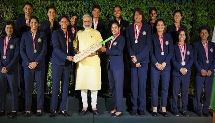 দিল্লিতে ভারতীয় মহিলা ক্রিকেট দলের সঙ্গে দেখা করলেন প্রধানমন্ত্রী নরেন্দ্র মোদী