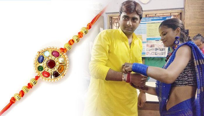 'সম্প্রীতির উৎসবে' সামিল সোনাগাছি, রাখি পরালেন এবং পরলেন যৌনকর্মীরা