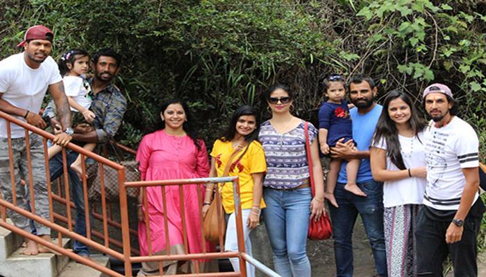 শ্রীলঙ্কায় অশোক বন-এ টিম ইন্ডিয়া, সোশ্যাল মিডিয়ায় নিশানা শামিকে
