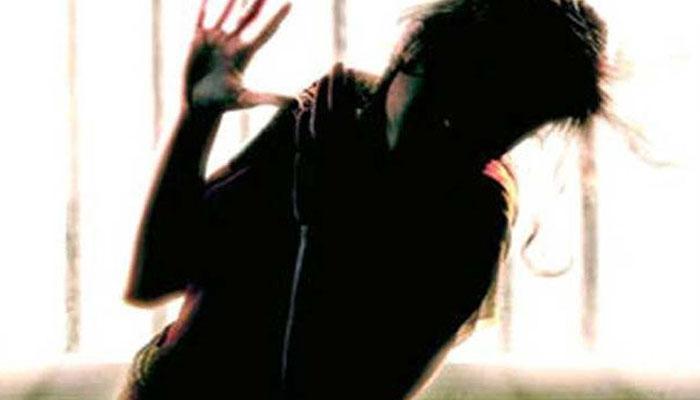 'আমি আমার হাত কাটতে পারলে, তোমার গলাও কাটতে পারি', হুমকি দিয়ে কিশোরীকে অপহরণ