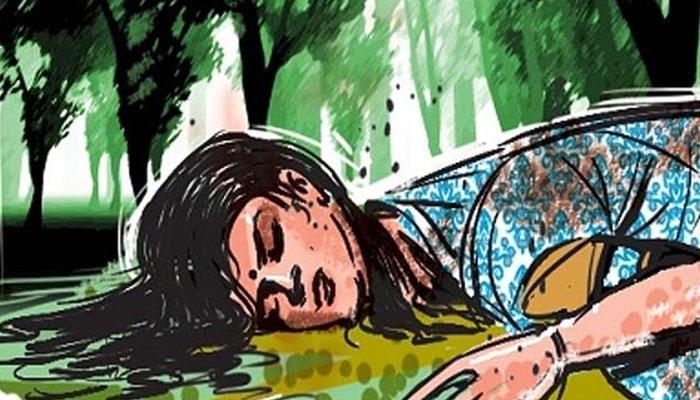 বারুইপুরে ছাত্রীকে ধর্ষণ করে খুনের ঘটনার জেরে ভাঙচুর স্থানীয় তৃণমূল নেতার মার্কেট কমপ্লেক্সে