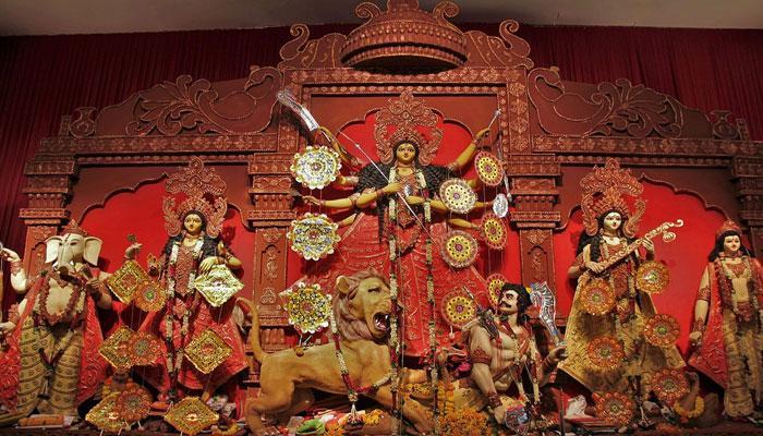 আজ দ্বিতীয়া, রাজ্যের পুজোর গন্ধ ছড়িয়ে পড়েছে বহির্বঙ্গেও