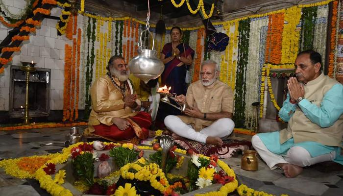 মোদীতে আমোদিত প্রধানমন্ত্রীর জন্মস্থান ভাডনগর