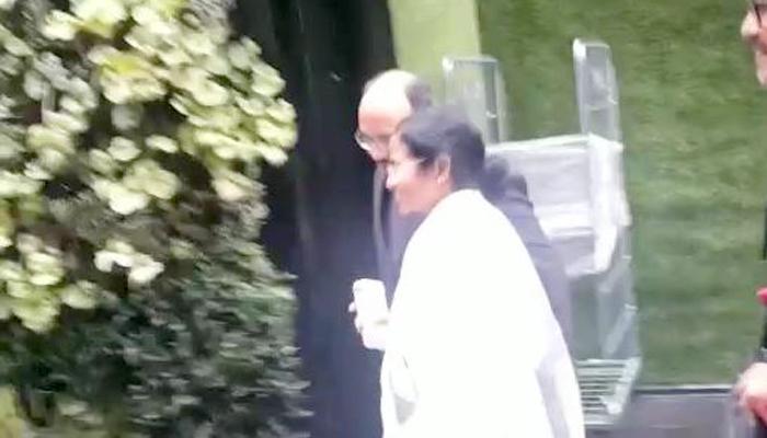 লন্ডনে পৌঁছলেন মমতা, সঙ্গে ২৪ ঘণ্টা, জেনে নিন সফরসূচি