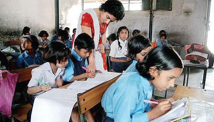 পঞ্চায়েত ভোটের আগে রাজ্যের স্কুলগুলি রং করছে সরকার