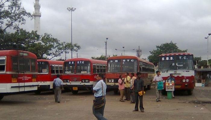 সরকারি বাস হাইজ্যাক, চোরের বেপরোয়া ড্রাইভিংয়ে আহত টোটো চালক