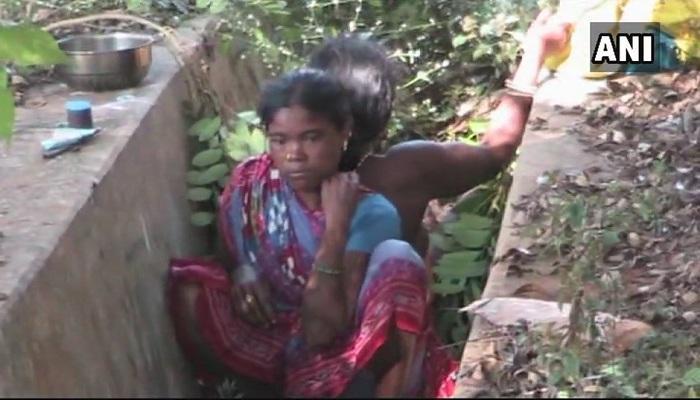 হাসপাতালে ঠাঁই না-পেয়ে নর্দমাতেই সন্তান প্রসব