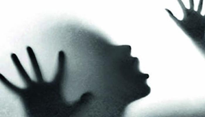 ক্যাবে তরুণীকে 'গণধর্ষণ', ছুড়ে ফেলা হল মেট্রো স্টেশনের বাইরে