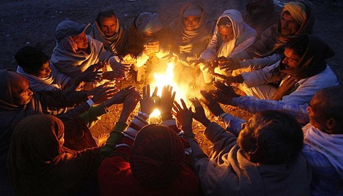 মারকুটে মেজাজে শীত, জেলাগুলিতে ঠান্ডায় জবুথবু দশা