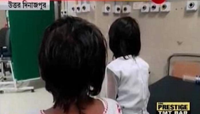 স্কুলের মধ্যে ২ ছাত্রীকে লাগাতার ধর্ষণ শিক্ষকের, কাউকে জানালে টুকরো টুকরো কেটে ফেলার হুমকি