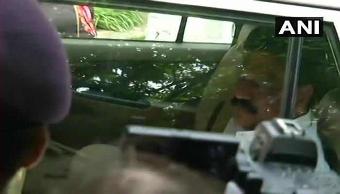 বিধানসভায় পৌঁছলেন কর্ণাটকের নিখোঁজ ২ কংগ্রেসি বিধায়ক