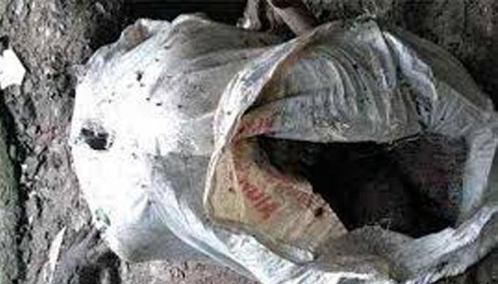 জলের ট্যাঙ্কের পাশ থেকে উদ্ধার ১২ টি তাজা বোমা