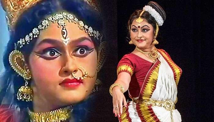 জগতজোড়া ভালবাসায় বাকরুদ্ধ 'দনুজদলনী দুর্গা'